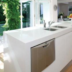 white caesarstone bench top