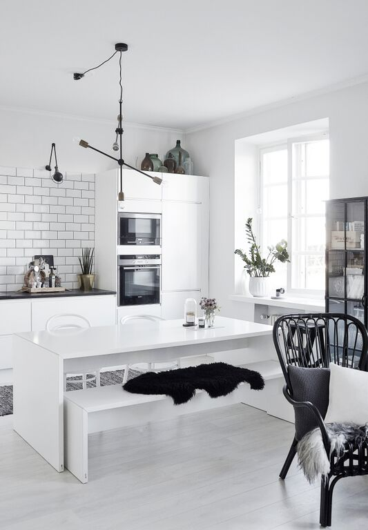 white and black scandinavian kitchen