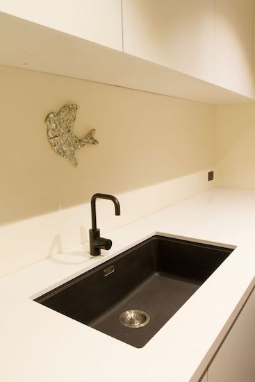 Caesarstone benchtop in snow 20mm