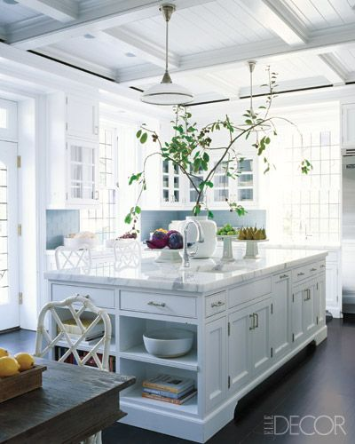 Bright and White Hamptons Kitchen