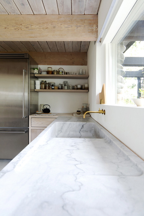 Scott & Scott Architects | marble bench top detailing | Blue Tea Kitchens