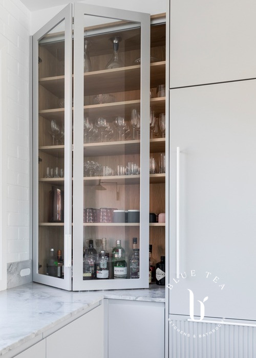 Bench top pantry design