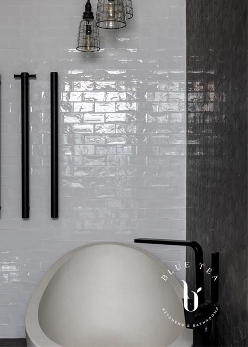 Freestanding bathroom withe feature marble tiles, Drummoyne Sydney.