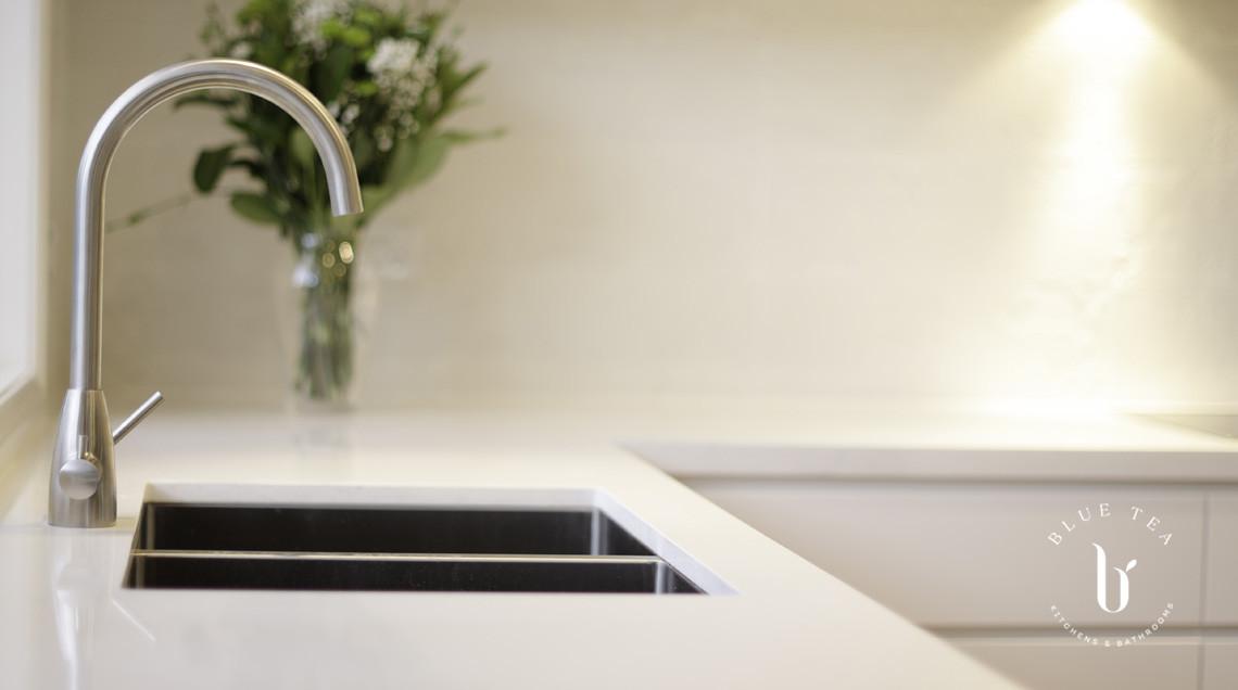 White kitchen Sink detailing | Blue Tea