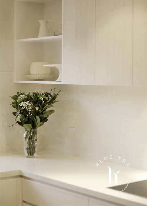 Open Wall Shelves in White Kitchen | Blue Tea