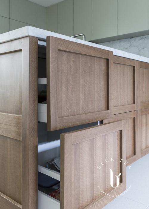 timber veneer blum cabinetry | Blue Tea Kitchens