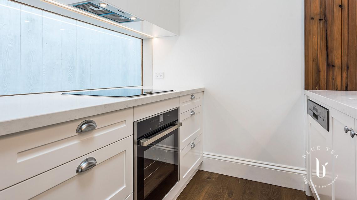 Shaker kitchen with Window Splashback | Blue Tea