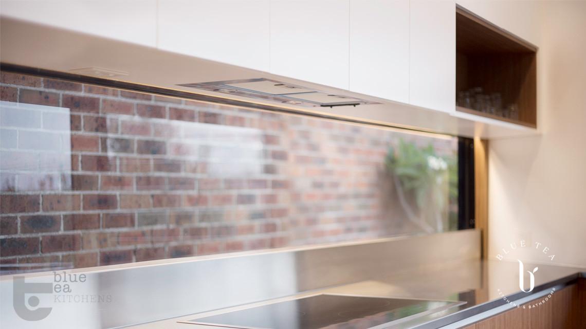 modern kitchen design showing splash back