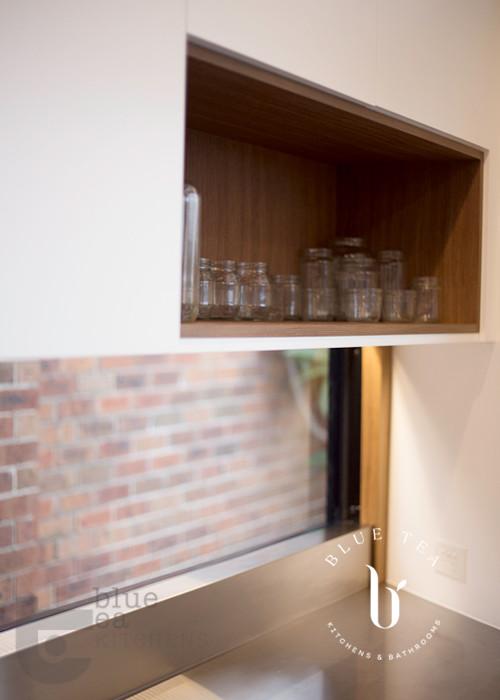 splash back window in modern kitchen