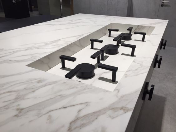 Neolith Calacatta cooktop detail