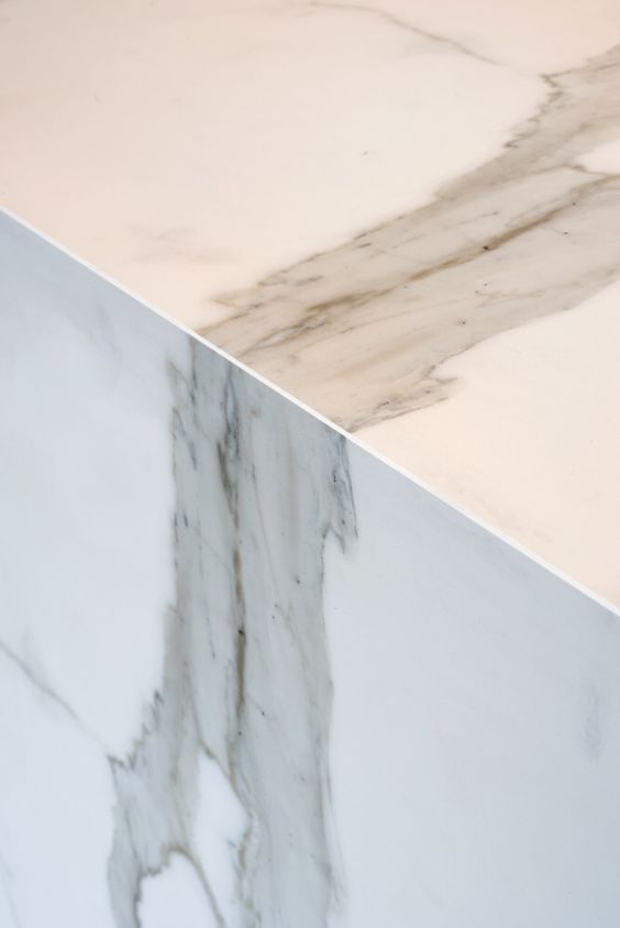 Neolith Calacatta join detail