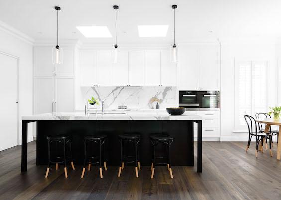 calacatta in black and white Hamptons kitchen