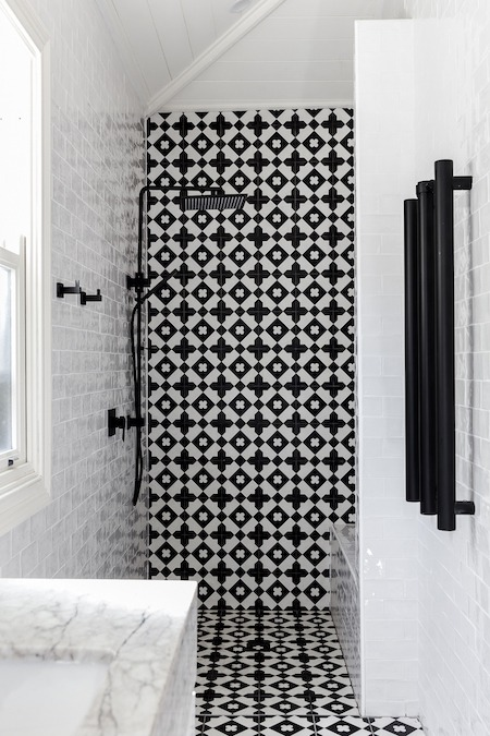 bathroom shower feature tiles