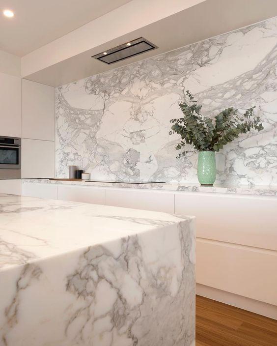 calacatta marble benchtop kitchen