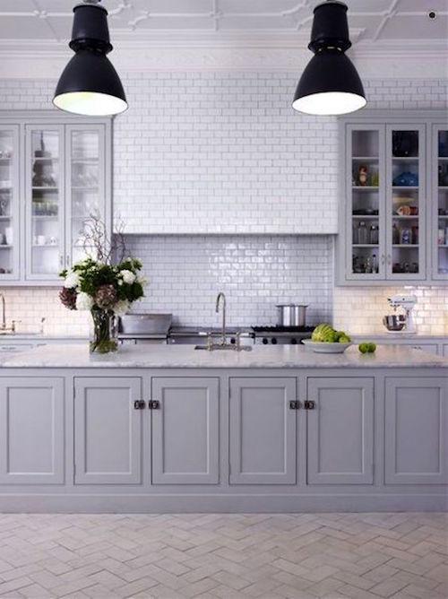 white subway tile splash back | hamptons kitchen