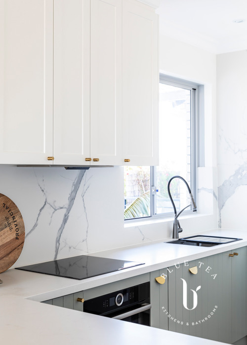 North Bondi Kitchen design featuring a marble splash back, and two-tone kitchen cabinetry.